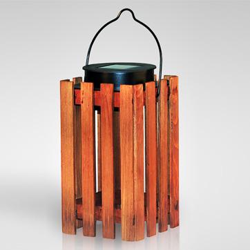 luz solar de linterna de madera